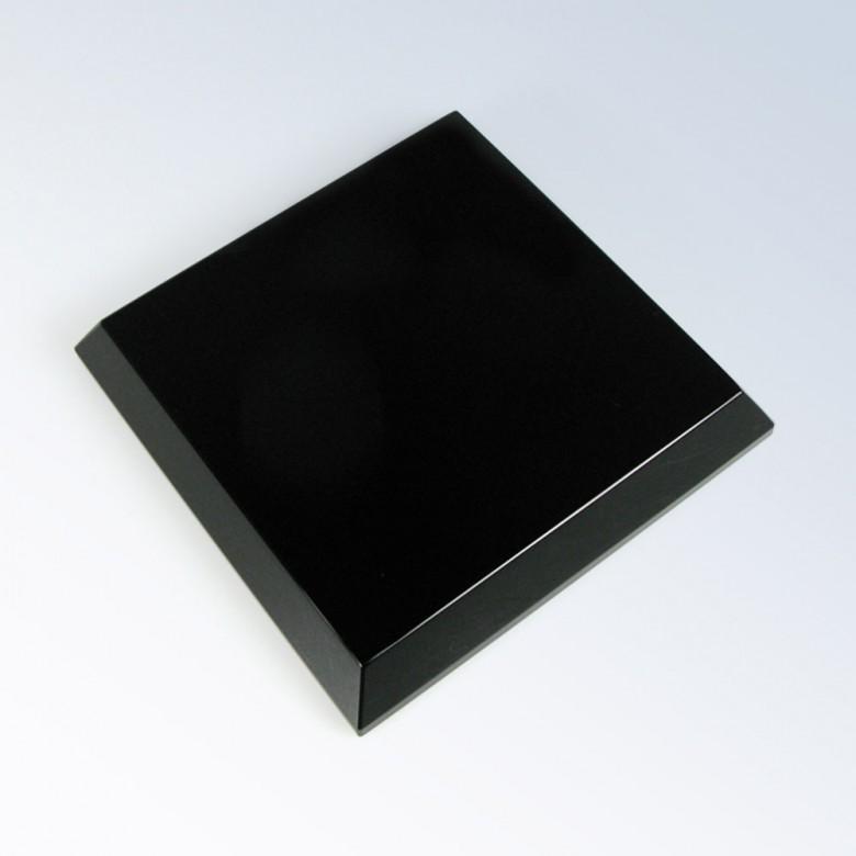 Black Crystal Beveled Base